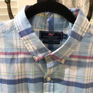 NWOT Vineyard Vines slim fit Tucker shirt. Large